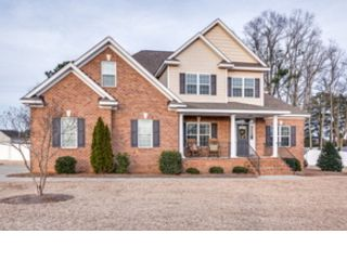 5 BR,  3.50 BTH Traditional style home in Glencoe