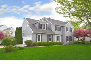 [Aurora Real Estate, listing number 8025562]