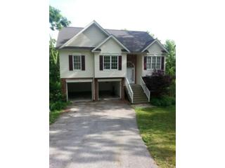 4 BR,  4.50 BTH 1-1/2 story style home in Mahomet