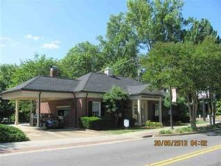 5 BR,  6.50 BTH Single family style home in Leawood