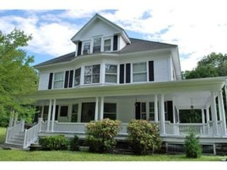 4 BR,  3.50 BTH Single family style home in Providence