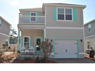 3 BR,  1.00 BTH Contemporary style home in Panama City