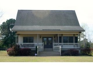 4 BR,  1.00 BTH Single family style home in Georgetown