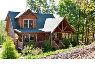 3 BR,  2.50 BTH Single family style home in Burnsville
