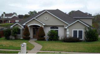 3 BR,  3.00 BTH Single family style home in Corpus Christi
