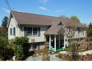 18 BR, 17.00 BTH Commercial style home in Oak Harbor