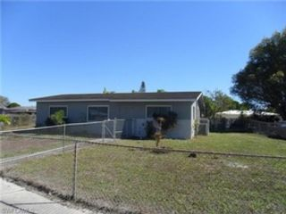 5 BR,  2.00 BTH Single family style home in Beaverton