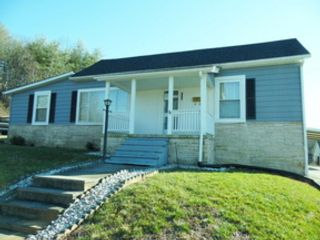 3 BR,  4.00 BTH Single family style home in Nebo