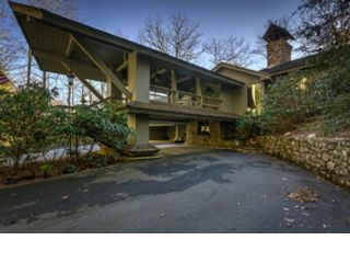 4 BR,  4.00 BTH Cottage style home in Boone