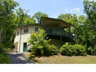 2 BR,  2.00 BTH Contemporary style home in Jonas Ridge