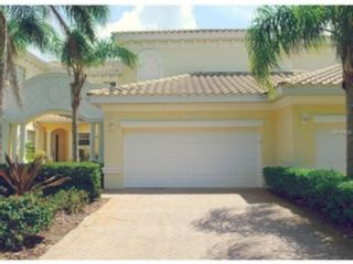 3 BR,  2.50 BTH  Single family style home in Sarasota