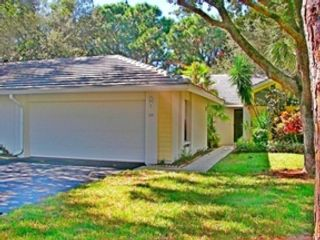 3 BR,  3.50 BTH  Single family style home in Sarasota