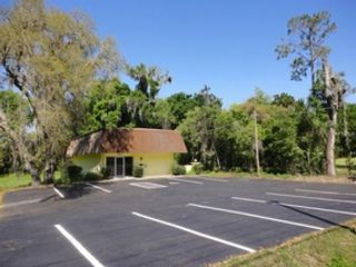 Studio,  0.00 BTH Commercial style home in Dade City