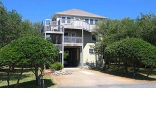 6 BR,  5.50 BTH  Contemporary style home in Duck