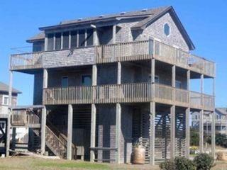 5 BR,  3.50 BTH  Single family style home in Rodanthe