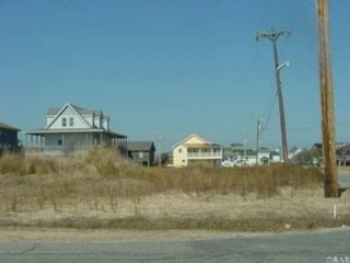 4 BR,  2.50 BTH Single family style home in Rodanthe