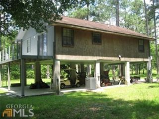 3 BR,  2.50 BTH Single family style home in Antrim