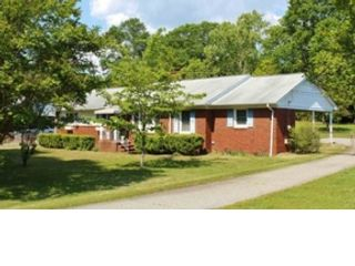 4 BR,  2.00 BTH Single family style home in Pittsboro
