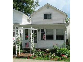 1 BR,  1.00 BTH 2 story style home in Lancaster