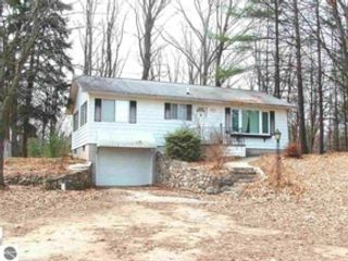 3 BR,  2.50 BTH Single family style home in Alden
