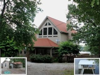 2 BR,  2.00 BTH Log style home in Sandpoint