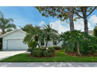 3 BR,  1.00 BTH  Single family style home in Sarasota