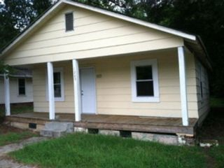3 BR,  3.50 BTH Single family style home in Avon