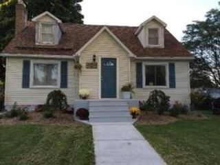 4 BR,  3.00 BTH  Single family style home in Melbourne