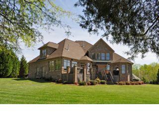 4 BR,  2.50 BTH Single family style home in Denham Springs
