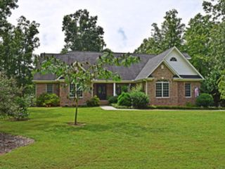 6 BR,  5.50 BTH Transitional style home in Greensboro