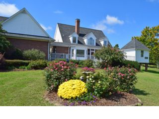 4 BR,  3.00 BTH Transitional style home in Greensboro
