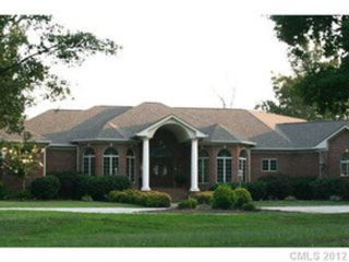 3 BR,  3.50 BTH Contemporary style home in Kings Mountain