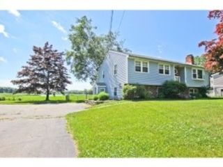 6 BR,  4.50 BTH Single family style home in Leominster