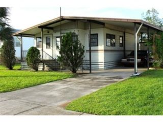 2 BR,  2.50 BTH Single family style home in Leesburg