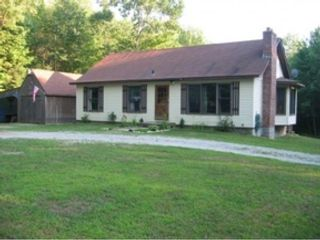 2 BR,  2.00 BTH Single family style home in Leesburg