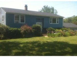 3 BR,  2.50 BTH Ranch style home in Amherst