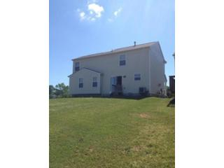 3 BR,  2.50 BTH Single family style home in Canal Winchester