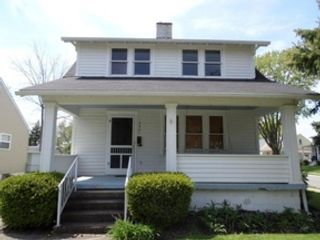4 BR,  2.50 BTH Single family style home in Harvard