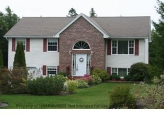 5 BR,  2.00 BTH Single family style home in Plympton