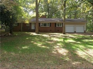 4 BR,  3.00 BTH  Single family style home in Charlotte