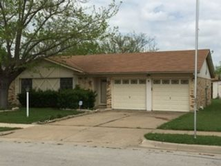 5 BR,  6.50 BTH  Single family style home in Wayne