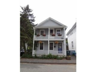 4 BR,  2.50 BTH  Single family style home in Uxbridge