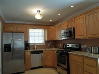 4 BR,  2.50 BTH Single family style home in South Easton