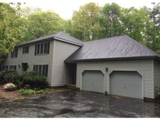 3 BR,  2.00 BTH Single family style home in Hubbardston