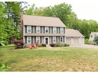3 BR,  2.50 BTH Single family style home in Hubbardston