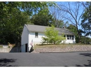 2 BR,  2.00 BTH Ranch style home in Lancaster