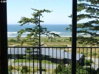 4 BR,  2.50 BTH  Custom style home in Gold Beach
