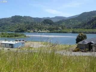 Studio,  0.00 BTH Land style home in Gold Beach