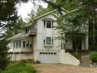 4 BR,  4.50 BTH  Custom style home in Gold Beach