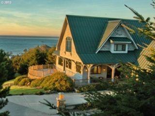 4 BR,  4.00 BTH Custom style home in Gold Beach